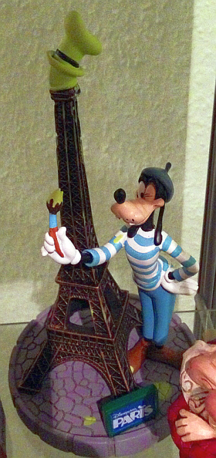 Goofy in Paris